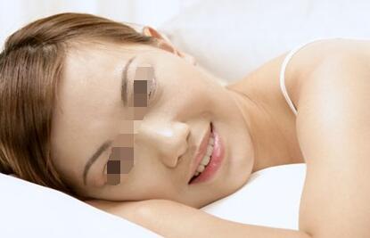 武汉女性白癜风变严重是什么原因呢?